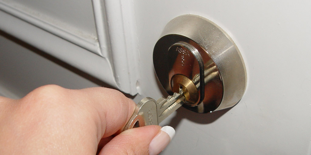 Attraktiva Problem med låset ZF-75